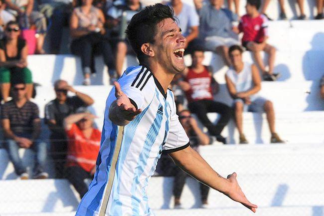 Giovanni-Simeone-Sul-Americano-Argentina-RojoAFP_LANIMA20150119_0222_25