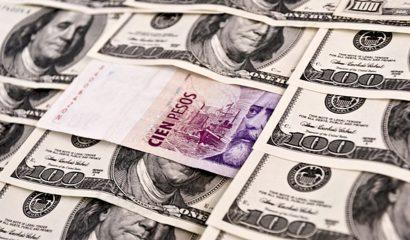 dolares y pesos