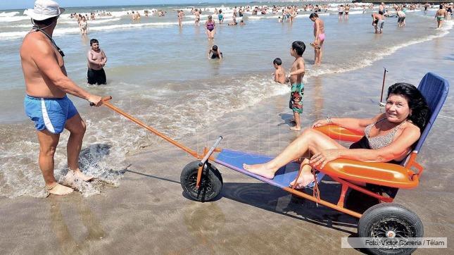 discapacitados en la playa